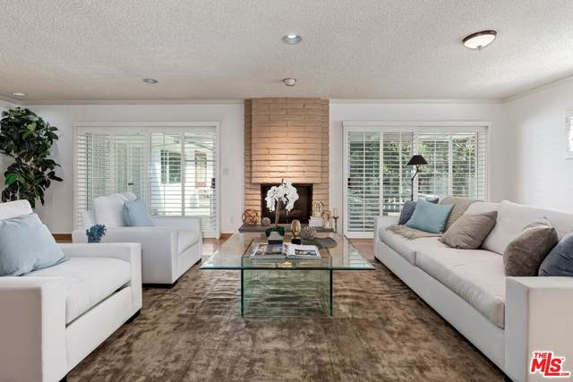 2708 S Beverly Dr, Los Angeles, CA 90034 (#21-794968) :: The Bobnes Group Real Estate
