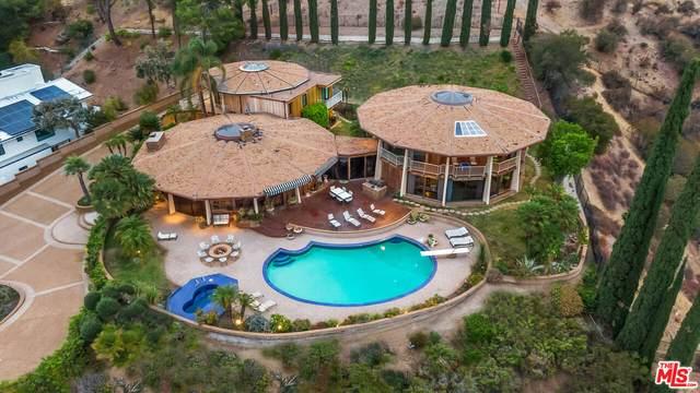 17862 Via Vallarta, Encino, CA 91316 (#21-795076) :: Berkshire Hathaway HomeServices California Properties