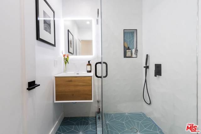 23021 Darien St, Woodland Hills, CA 91364 (#21-795304) :: Vida Ash Properties | Compass