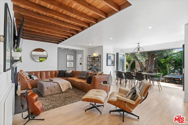 3301 Mclaughlin Ave, Los Angeles, CA 90066 (#21-795568) :: The Pratt Group