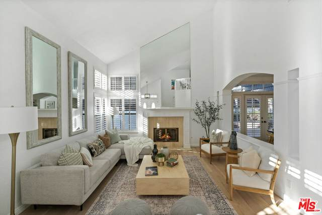 7625 W 83rd St, Playa Del Rey, CA 90293 (#21-795642) :: The Bobnes Group Real Estate