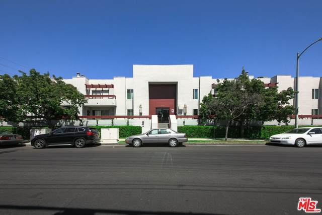 6750 Glade Ave, Woodland Hills, CA 91303 (#21-795758) :: Randy Plaice and Associates