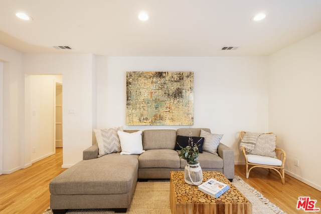 10628 Ayres Ave, Los Angeles, CA 90064 (#21-795906) :: The Bobnes Group Real Estate