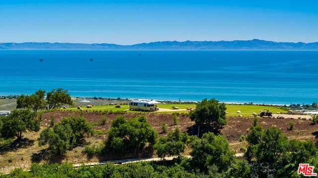 1925 Santa Monica, Carpinteria, CA 93013 (#21-796284) :: Lydia Gable Realty Group