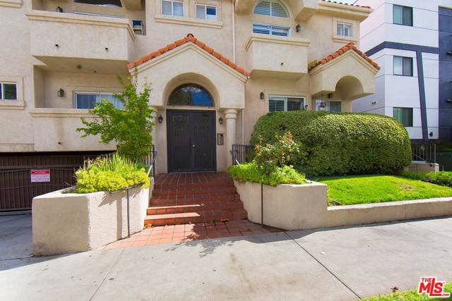 7236 Amigo Ave #102, Reseda, CA 91335 (#21-796500) :: Berkshire Hathaway HomeServices California Properties