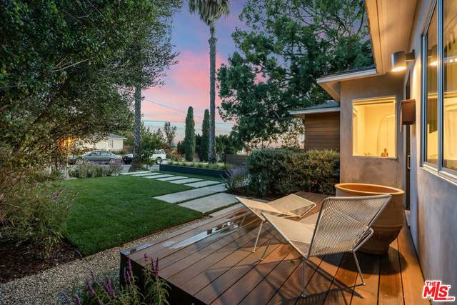 12625 Westminster Ave, Los Angeles, CA 90066 (#21-796556) :: TruLine Realty