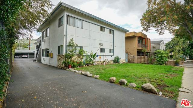 10931 Bloomfield St, North Hollywood, CA 91602 (MLS #21-796560) :: Zwemmer Realty Group