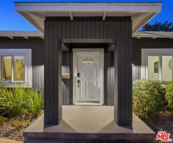 710-1/2 Larch St, Inglewood, CA 90301 (MLS #21-796568) :: The John Jay Group - Bennion Deville Homes