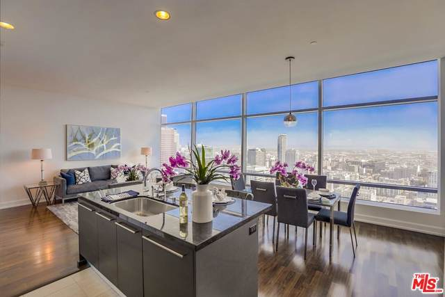 900 W Olympic Blvd 37C, Los Angeles, CA 90015 (MLS #21-796810) :: Zwemmer Realty Group