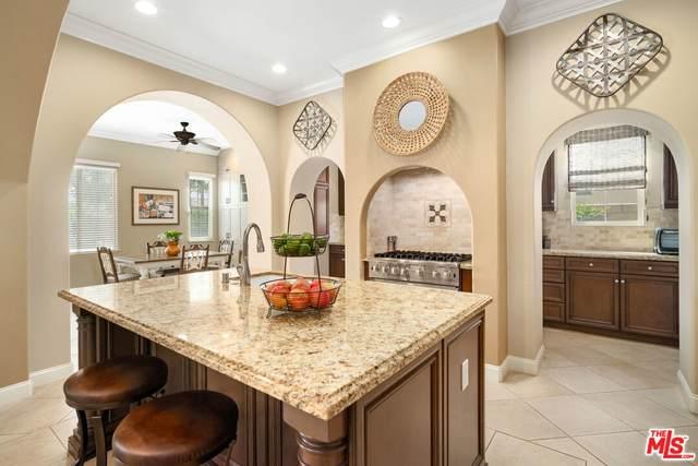 81945 Via La Serena, La Quinta, CA 92253 (MLS #21-797142) :: The John Jay Group - Bennion Deville Homes