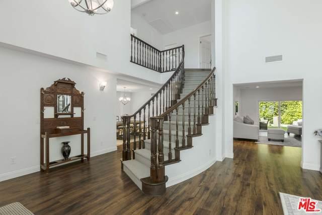 15217 Camarillo St, Sherman Oaks, CA 91403 (#21-797284) :: The Bobnes Group Real Estate