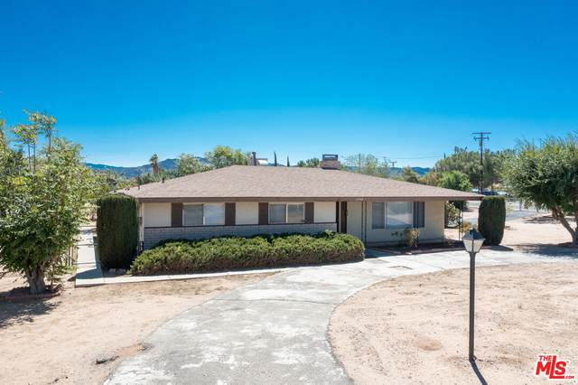 17449 Danbury Ave, Hesperia, CA 92345 (#21-797902) :: The Bobnes Group Real Estate