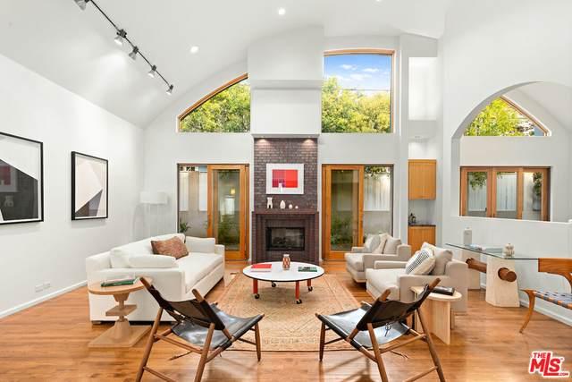 473 Wynola St, Pacific Palisades, CA 90272 (#21-798142) :: Berkshire Hathaway HomeServices California Properties