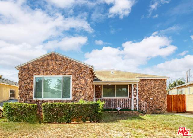 9713 S 5Th Ave, Inglewood, CA 90305 (MLS #21-798192) :: Zwemmer Realty Group
