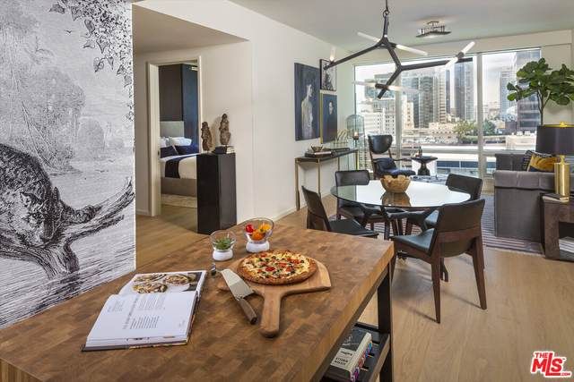 877 Francisco St #2207, Los Angeles, CA 90017 (MLS #21-798240) :: Zwemmer Realty Group
