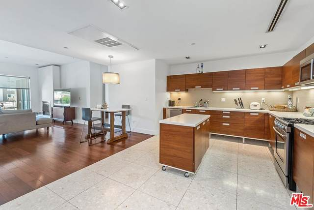 6735 Yucca St #408, Los Angeles, CA 90028 (MLS #21-798556) :: The John Jay Group - Bennion Deville Homes