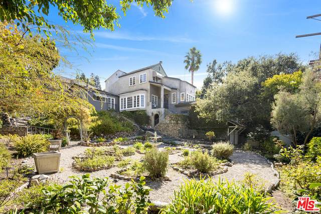 8 Latimer Rd, Santa Monica, CA 90402 (MLS #21-798954) :: The John Jay Group - Bennion Deville Homes