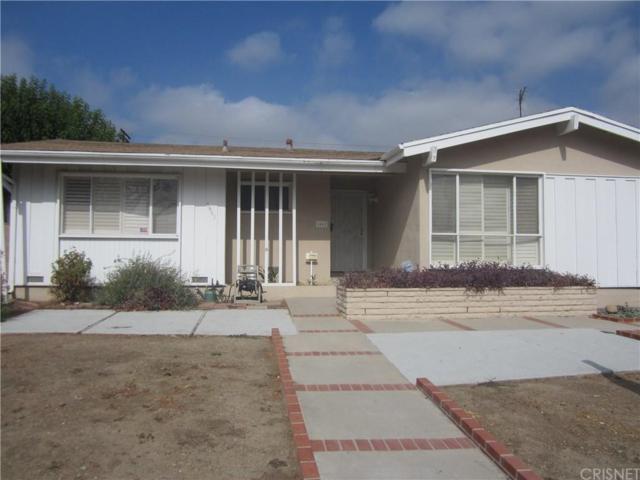6461 Woodlake Avenue, West Hills, CA 91307 (#SR17187958) :: The Fineman Suarez Team