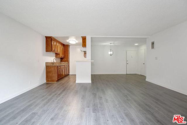 855 Victor Avenue #210, Inglewood, CA 90302 (#19424802) :: Fred Howard Real Estate Team
