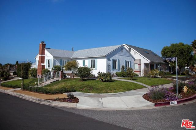 8433 Holy Cross Place, Los Angeles (City), CA 90045 (#19421266) :: Fred Howard Real Estate Team