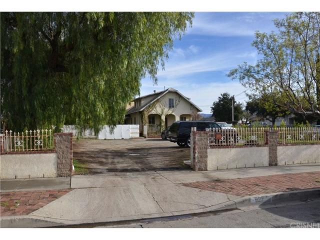 927 7TH Street, San Fernando, CA 91340 (#SR19012991) :: Lydia Gable Realty Group