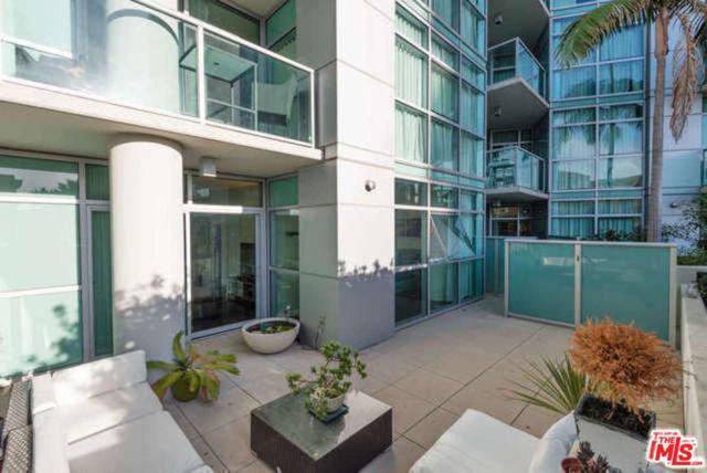 13700 Marina Pointe Drive #314, Marina Del Rey, CA 90292 (#19418770) :: The Fineman Suarez Team