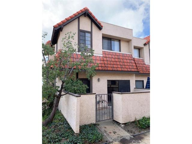 27621 Nugget Drive #1, Canyon Country, CA 91387 (#SR19013739) :: Paris and Connor MacIvor