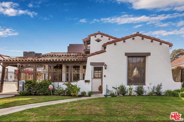 6516 Lindenhurst Avenue, Los Angeles (City), CA 90048 (#19426024) :: Fred Howard Real Estate Team