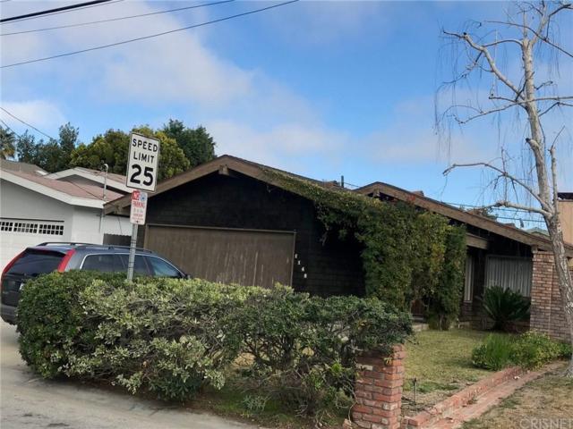 1148 N Poinsettia Avenue, Manhattan Beach, CA 90266 (#SR19011625) :: The Fineman Suarez Team