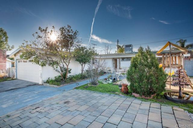 13641 Phillippi Avenue, Sylmar, CA 91342 (#SR19034333) :: Paris and Connor MacIvor