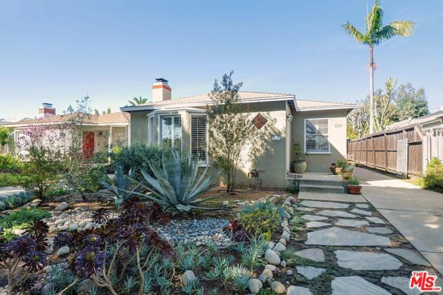 1337 Maple Street, Santa Monica, CA 90405 (#19433330) :: Golden Palm Properties