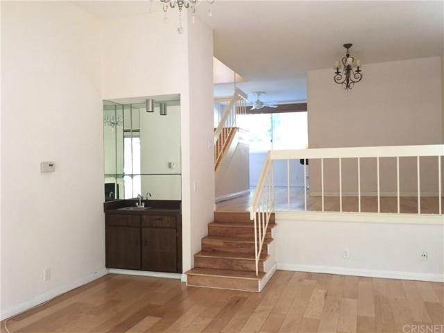 4655 Natick Avenue #17, Sherman Oaks, CA 91403 (#SR19037406) :: Golden Palm Properties