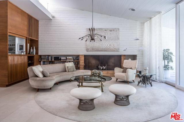 1210 Coldwater Canyon Drive, Beverly Hills, CA 90210 (#19437236) :: Golden Palm Properties