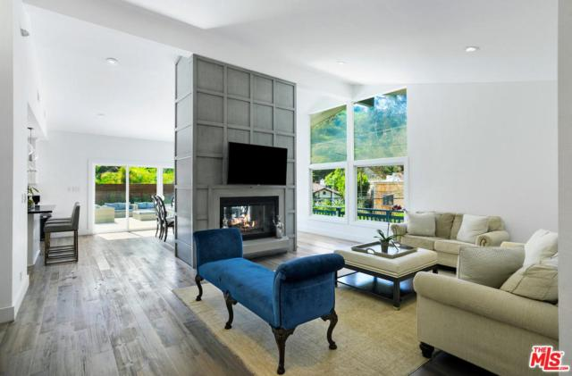 9560 Gloaming Drive, Beverly Hills, CA 90210 (#19443272) :: The Agency