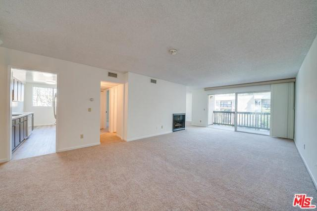 8318 Raintree Circle, Culver City, CA 90230 (#19445306) :: The Fineman Suarez Team