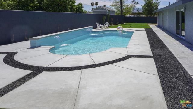 3365 E Avenida Fey Norte, Palm Springs, CA 92262 (#19450110PS) :: TruLine Realty