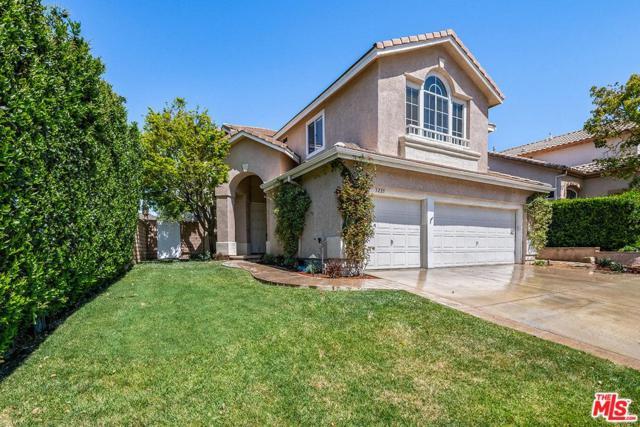 5225 Carmento Drive, Oak Park, CA 91377 (#19454594) :: Lydia Gable Realty Group