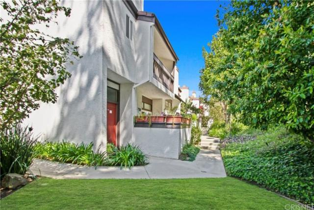 17145 Palisades Circle, Pacific Palisades, CA 90272 (#SR19085528) :: Golden Palm Properties