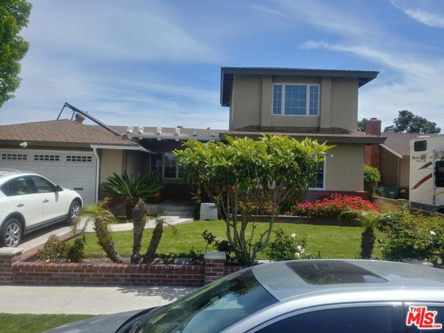 15332 Stanford Lane, Huntington Beach, CA 92647 (#19456018) :: Paris and Connor MacIvor