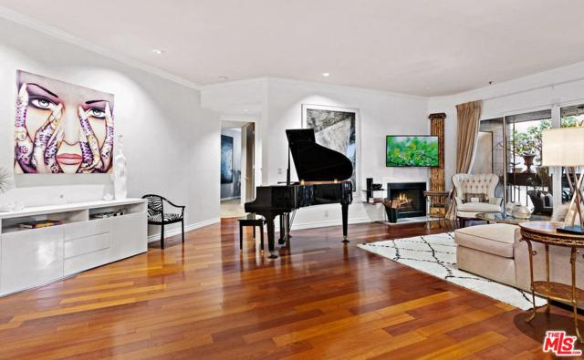 11628 Montana Avenue #102, Los Angeles (City), CA 90049 (#19457614) :: Golden Palm Properties