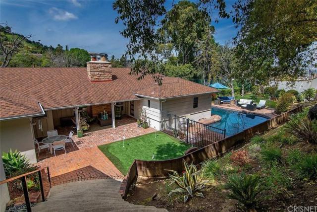 15461 Del Gado Drive, Sherman Oaks, CA 91403 (#SR19093149) :: Paris and Connor MacIvor