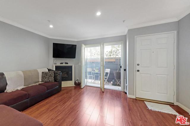 4511 Murietta Avenue #9, Sherman Oaks, CA 91423 (#19458574) :: Paris and Connor MacIvor