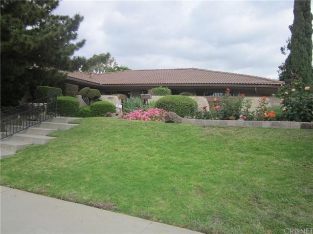 19721 Lassen Street, Chatsworth, CA 91311 (#SR19100132) :: Paris and Connor MacIvor