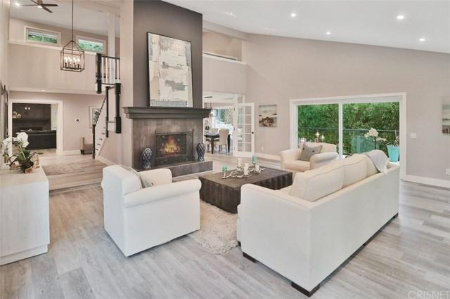 1072 Deepwood Drive, Westlake Village, CA 91362 (#SR19107866) :: Paris and Connor MacIvor