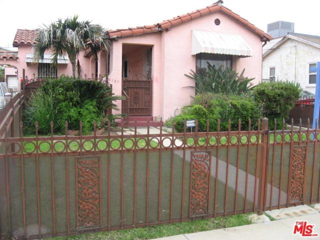 9141 S Halldale Avenue, Los Angeles (City), CA 90047 (#19466320) :: Paris and Connor MacIvor