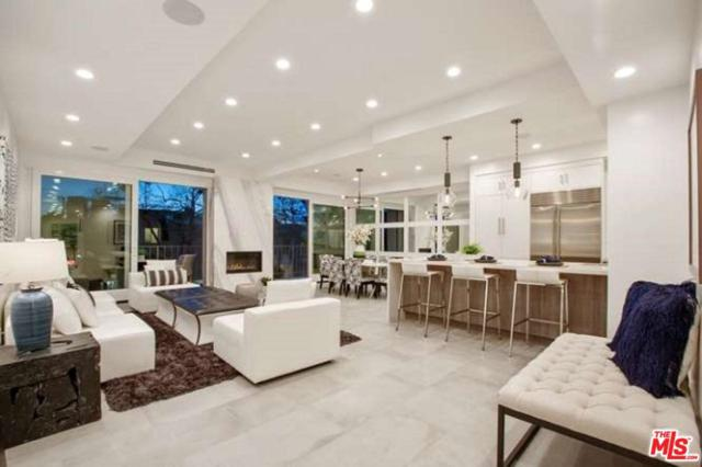 450 S Maple Drive #204, Beverly Hills, CA 90212 (#19466994) :: The Agency