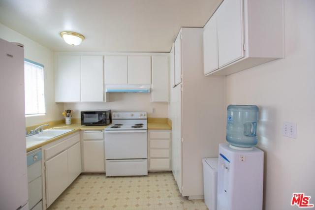 719 N Eucalyptus Avenue 14B, Inglewood, CA 90302 (#19468644) :: PLG Estates