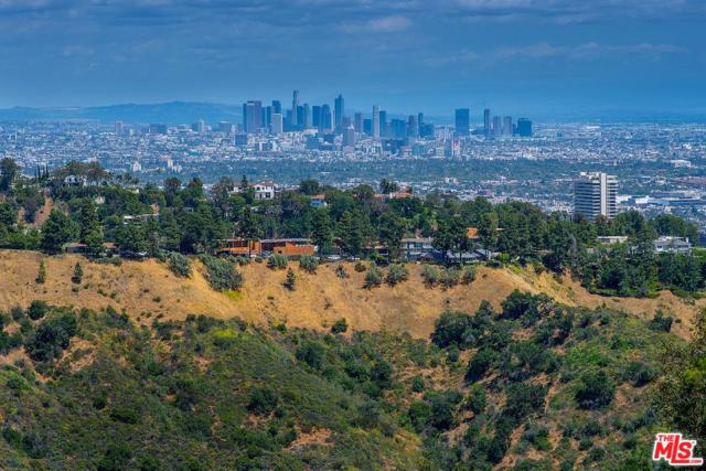 1690 Summitridge Drive, Beverly Hills, CA 90210 (#19469026) :: Paris and Connor MacIvor