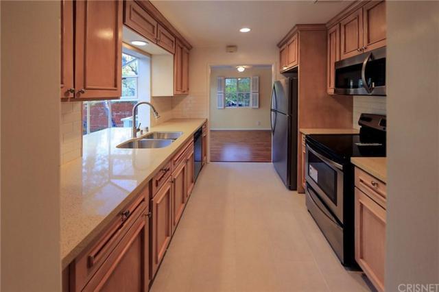 5302 Tendilla Avenue, Woodland Hills, CA 91364 (#SR19120242) :: Paris and Connor MacIvor