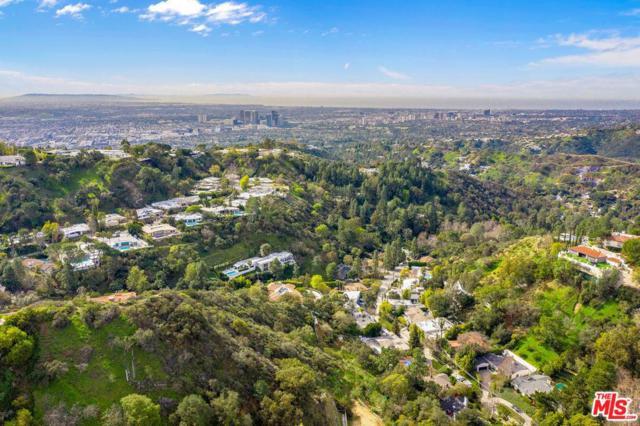 2248 Bowmont Drive, Beverly Hills, CA 90210 (#19469528) :: Paris and Connor MacIvor